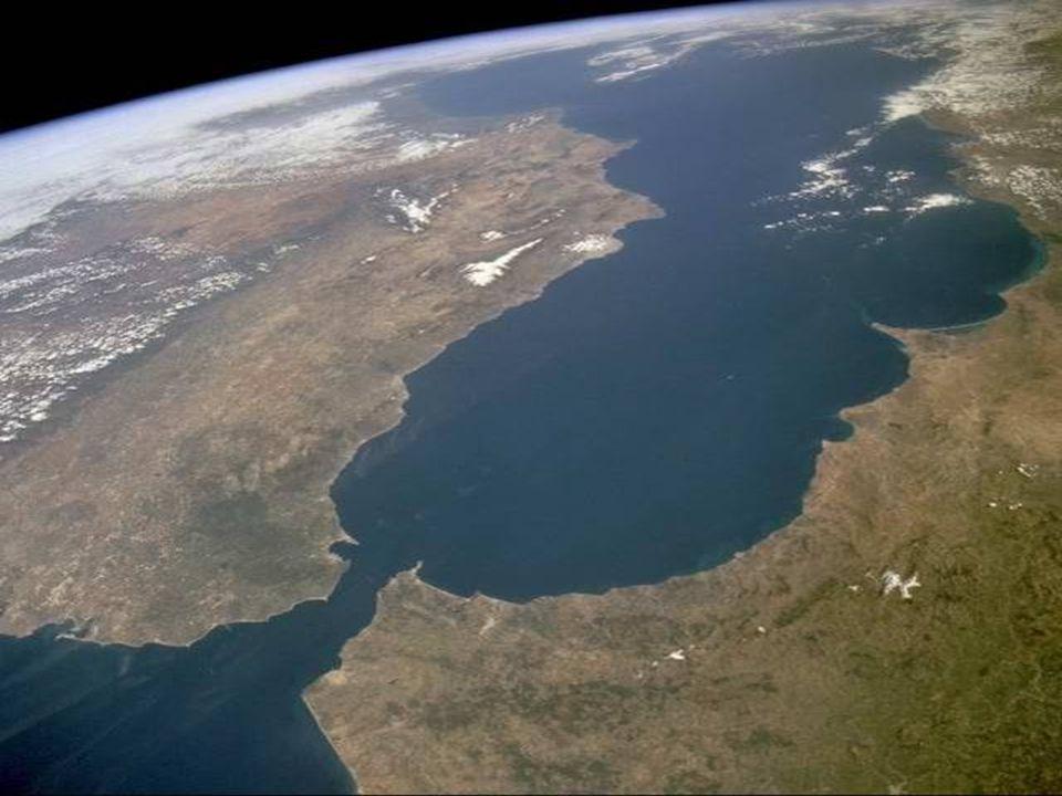 Sinajský polostrov, Suezský průplav, delta Nilu a část Rudého moře ►