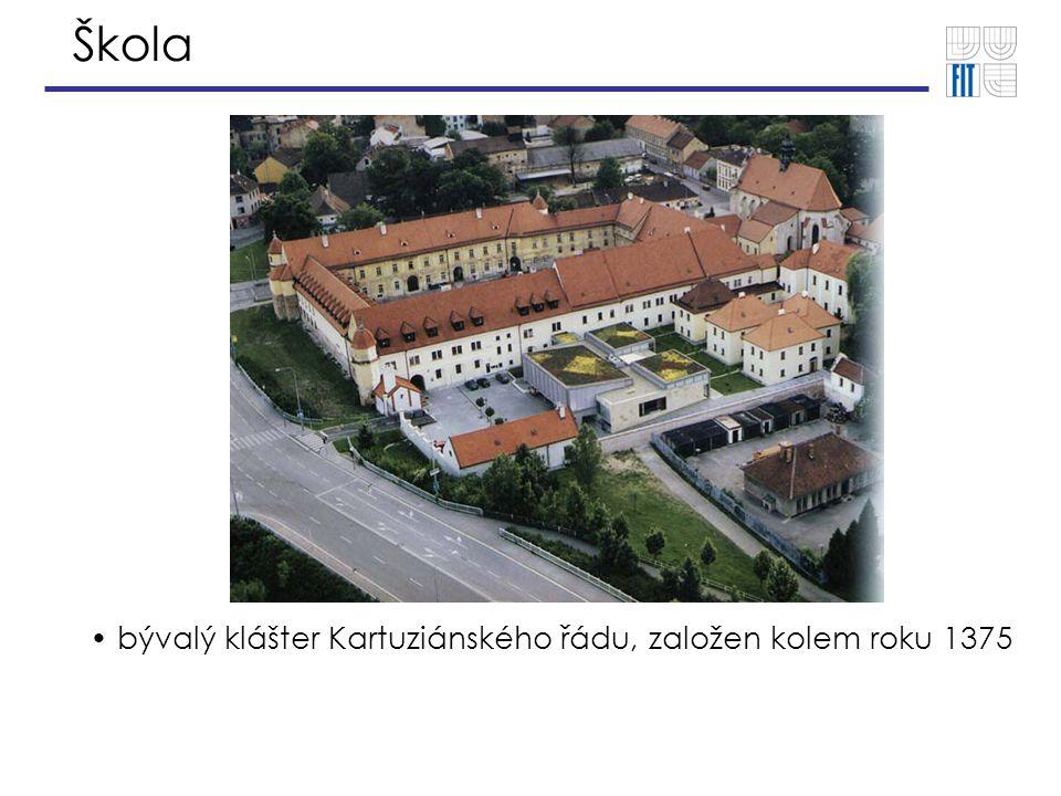 Škola Rozvoj školy  V plánu rozšíření fakulty o další areál Božetěchovy 1  Od roku 2005 otevření navazujícího magisterského studia
