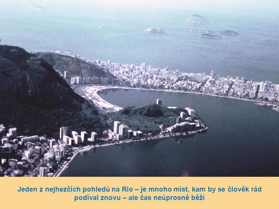 """Stadion """"Botafogo"""" u stejnojmenné zátoky"""