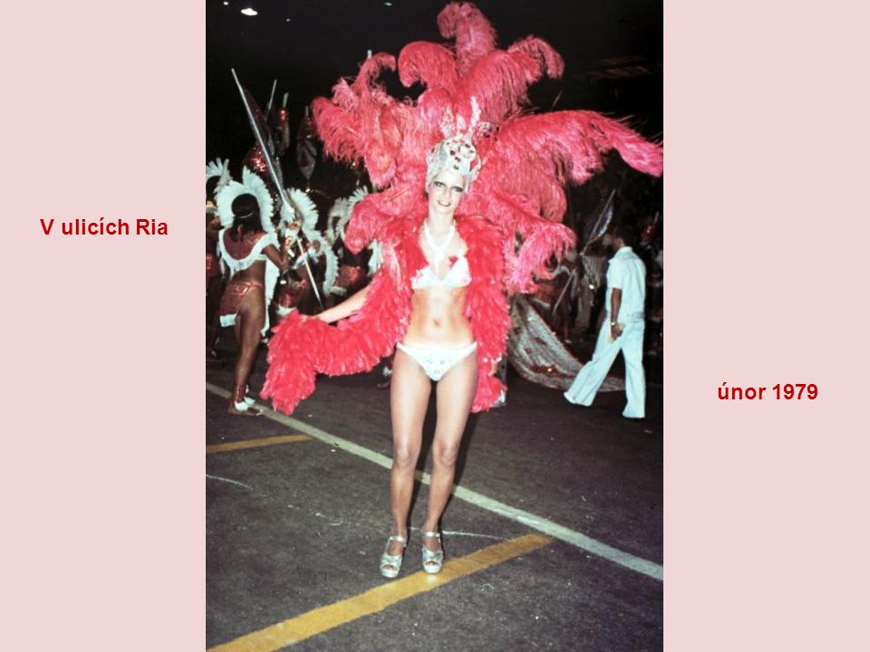 Pravidelně každý rok 40 dní před Velikonocemi vypuká v Riu nejočekávanější událost celého roku – tradiční karneval, který označuje začátek postního ob