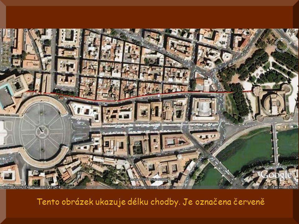 Po celá staletí, papežové, v případě ohrožení svého života, mohli uprchnout z vatikánských paláců přes tajnou chodbou 800 m dlouhou, která je odvedla do pevnosti castel Sant Angelo.