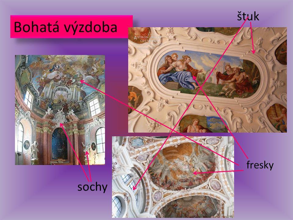 Bohatá výzdoba štuk fresky sochy