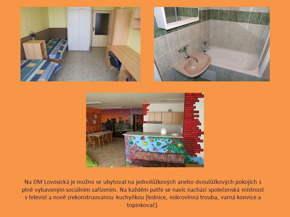 Na DM Lovosická je možno se ubytovat na jednolůžkových anebo dvoulůžkových pokojích s plně vybaveným sociálním zařízením. Na každém patře se navíc nac