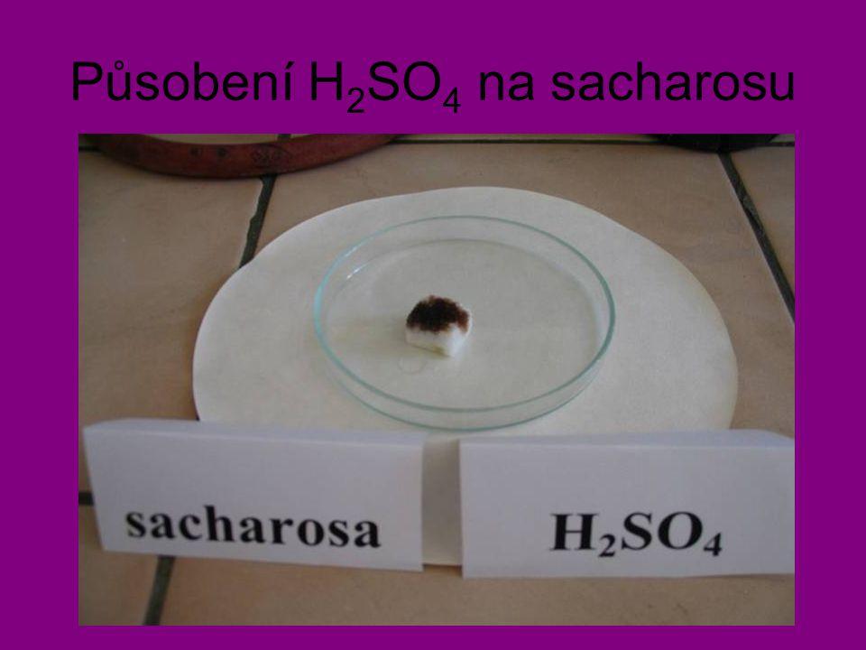 Působení H 2 SO 4 na sacharosu