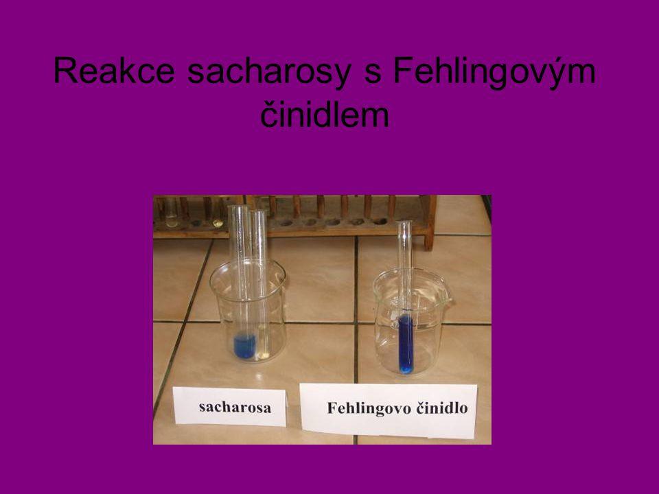 Reakce sacharosy s Fehlingovým činidlem