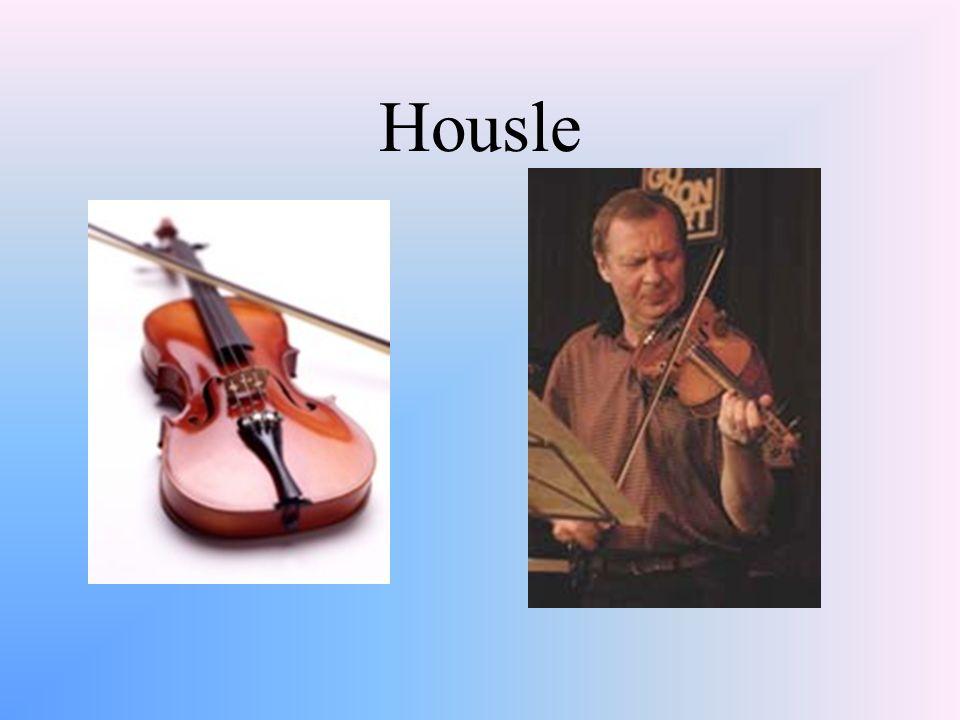 Samozvučné nástroje Chvění celého nástroje nebo jen jednotlivých součástí Triangl, činely