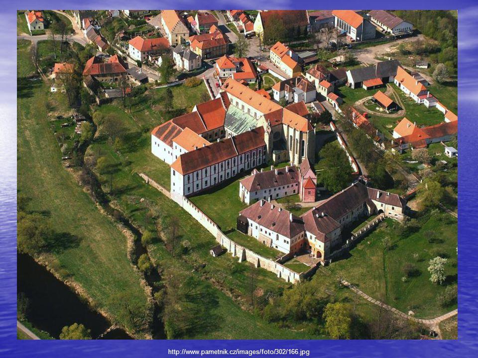 Zrušení kláštera a jeho další osud r.1787 byly budovy kláštera prodány Schwarzenbergům r.