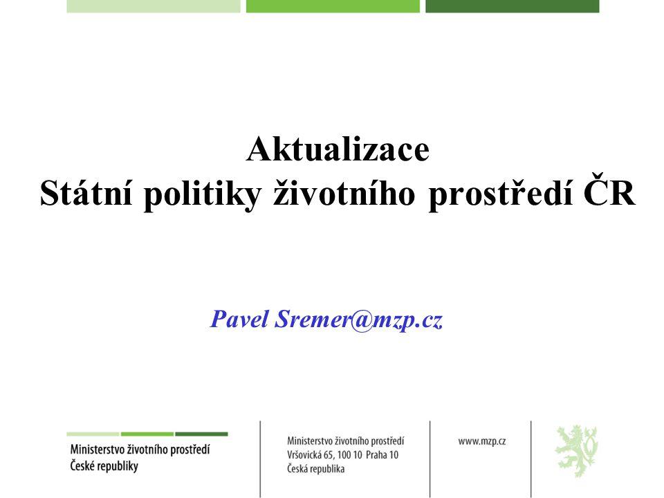 Environmentální politika Politika (Policy) :- Postup/principy přijaté /navrhované vládou,stranou, podnikem, jednotlivcem -záměrný plán akcí k řízení rozhodování a dosáhnutí racionálních výsledků (Wikipedia) ● Environmentální politika (J.Mc Cormick 2001): Jakýkoliv sled akcí záměrně učiněných/neučiněných k řízení lidských aktivit za účelem předejít, snížit/zmírnit škodlivé účinky na přírodu a přírodní zdroje umožnit, že člověkem vytvořené změny na ŽP nebudou mít škodlivé účinky na člověka
