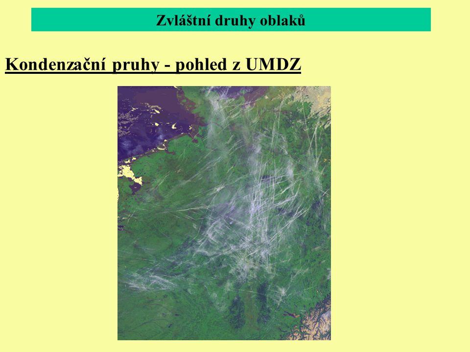 Kondenzační pruhy - pohled z UMDZ Zvláštní druhy oblaků