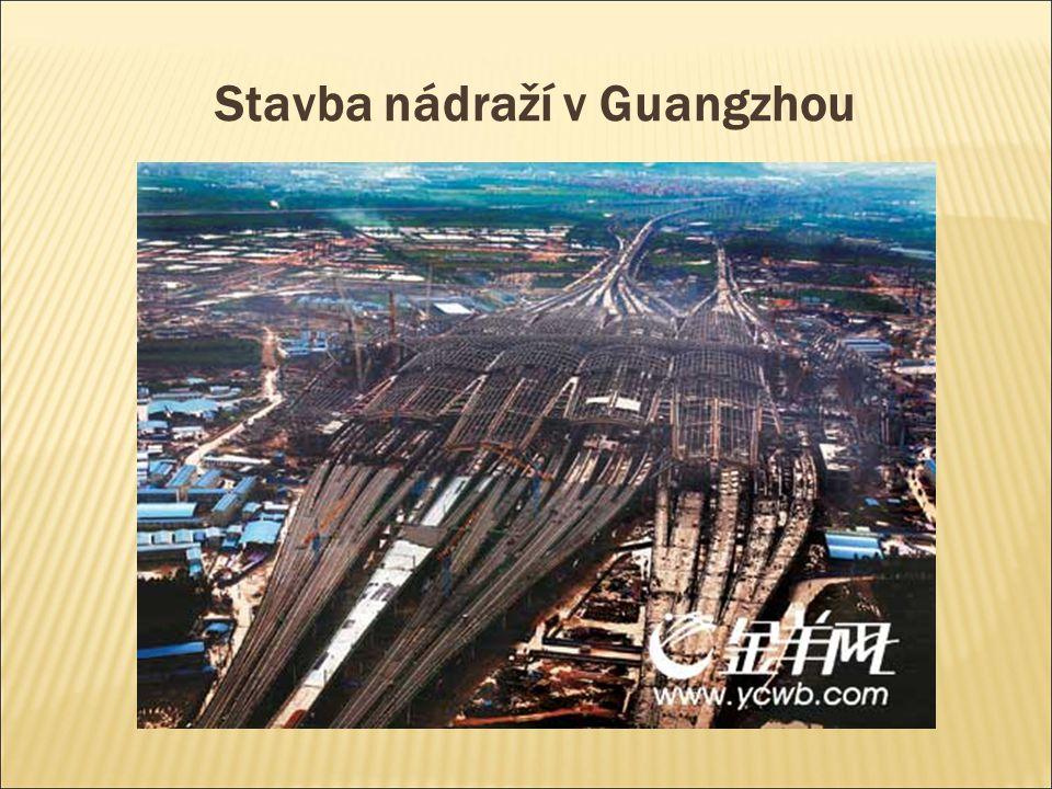 Stavba nádraží v Guangzhou