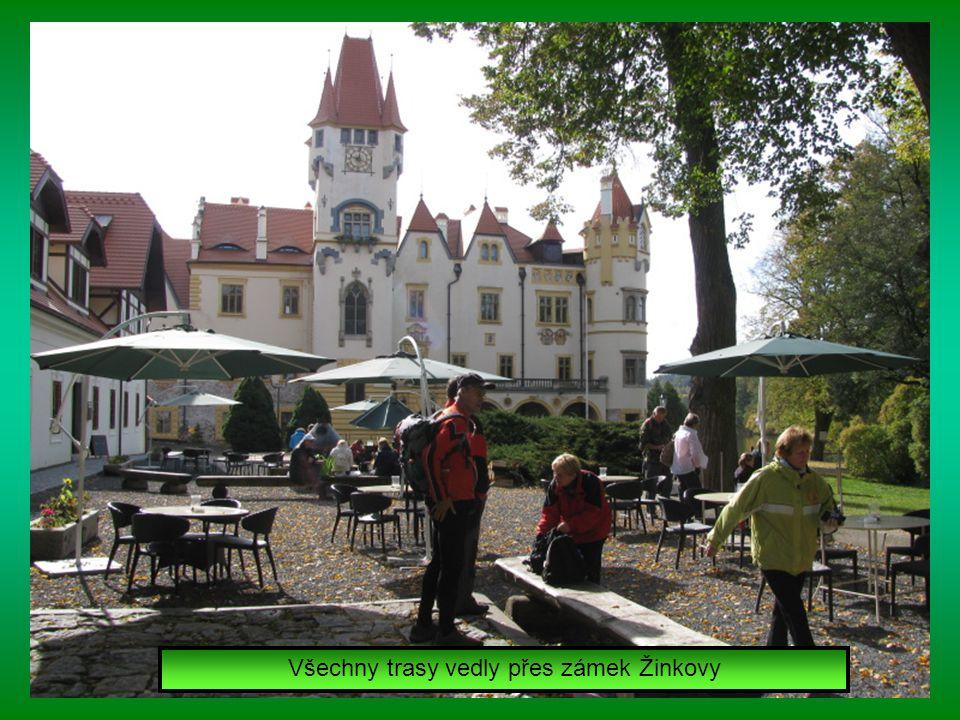Všechny trasy vedly přes zámek Žinkovy