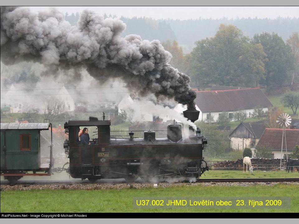 Dokud bylo v provozu jen několik lokomotiv, byly označovány jmény. Vůbec první lokomotiva na našem území (11. listopadu 1838) se jmenovala Moravia. Zn
