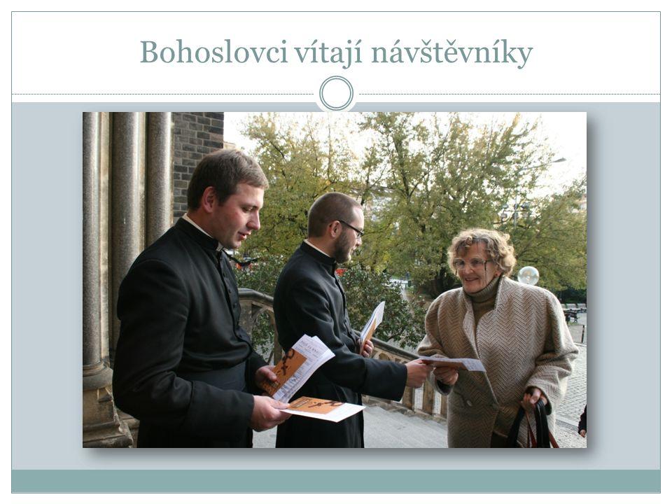 Bohoslovci vítají návštěvníky