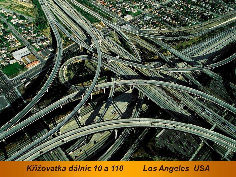 Křižovatka dálnic 10 a 110 Los Angeles USA
