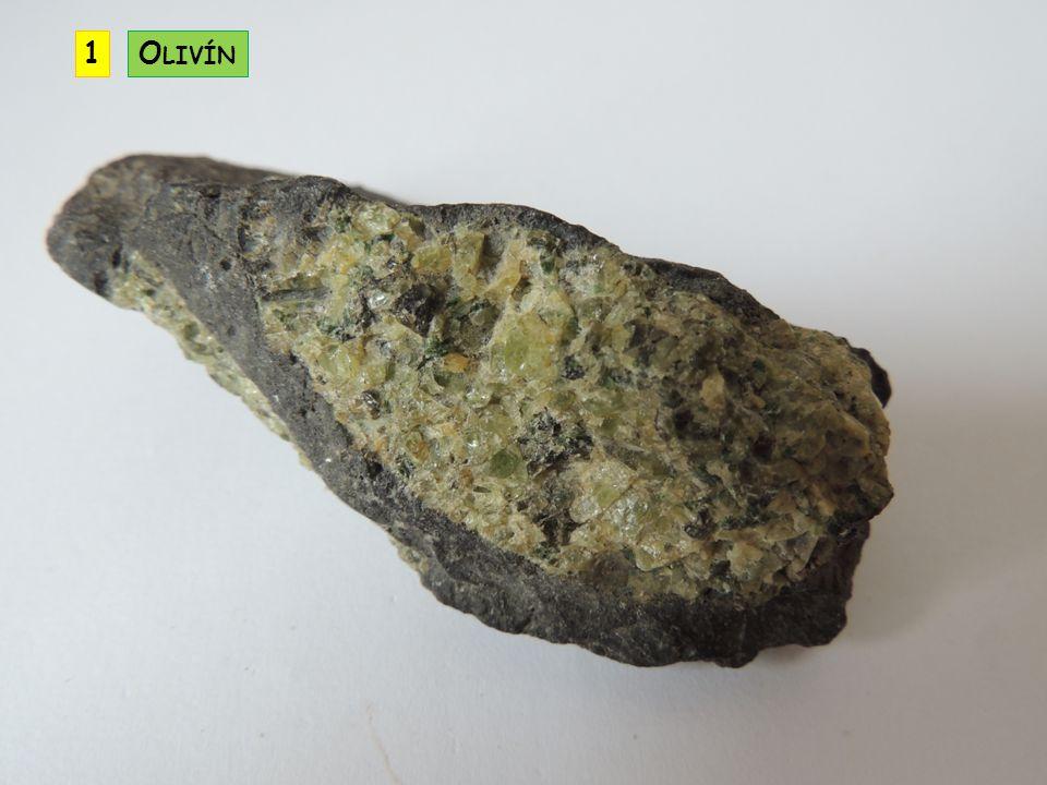minerál je oblíbeným drahým kamenem často obsahuje lithium, rubidium, cesium, skandium – může být těžen jako zdroj těchto prvků smaragd – zelené zbarvení akvamarín – modré zbarvení morganit – růžová až fialová barva heliodor – světle žlutozelený B ERYL B E 3 A L 2 S I 6 O 18 KRYSTALOVÁ SOUSTAVA: šesterečná ŠTĚPNOST: nedokonalá TVRDOST: 7,5 až 8 LOM: lasturnatý HUSTOTA: 2,68 až 2,9 VRYP: bílý BARVA: bezbarvý, různá zbarvení LESK: skelný