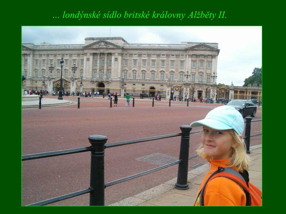 … londýnské sídlo britské královny Alžběty II.