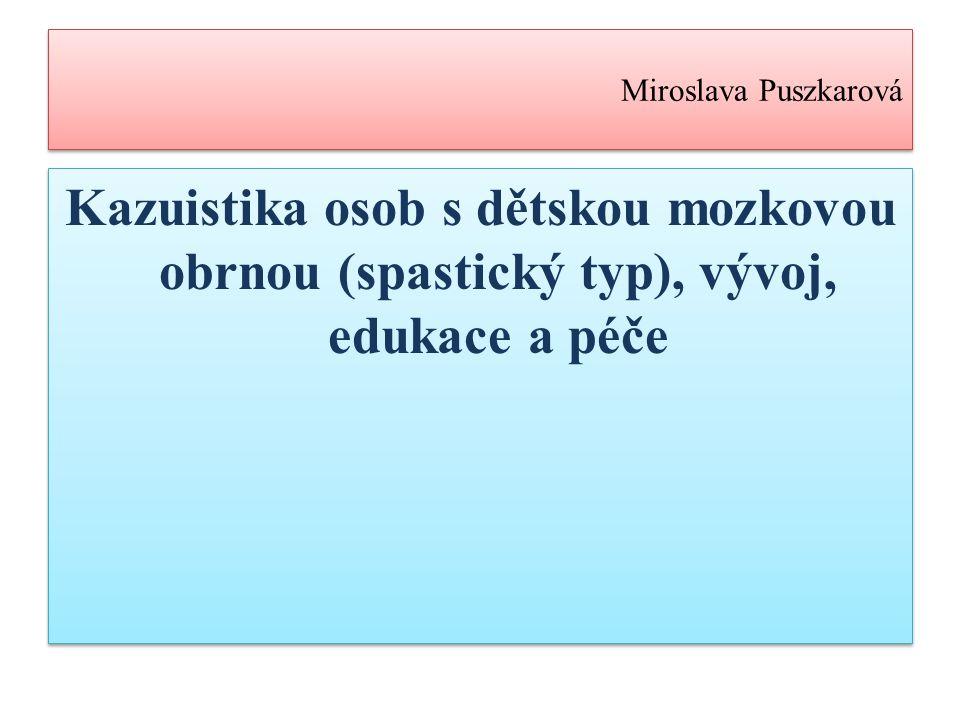 2) Spastické formy a) Diaperitická forma -Spastická obrna dvou párových končetin -Natažení dolních končetin v kolenou a chodidel špičkami dolů -Končetiny: tuhé, manipulace proti odporu -Dělení: -a) s adukční kontrakturou -b) bez adukční kontraktury -Patří i forma monoparetická (postižené jedné končetiny, vzácné) -Projev: po 5.měsíci (důraz na pohyblivost, dítě nesedí, neleze), psychický vývoj nezasažen (urychlení rehabilitace) -Spastická obrna dvou párových končetin -Natažení dolních končetin v kolenou a chodidel špičkami dolů -Končetiny: tuhé, manipulace proti odporu -Dělení: -a) s adukční kontrakturou -b) bez adukční kontraktury -Patří i forma monoparetická (postižené jedné končetiny, vzácné) -Projev: po 5.měsíci (důraz na pohyblivost, dítě nesedí, neleze), psychický vývoj nezasažen (urychlení rehabilitace)