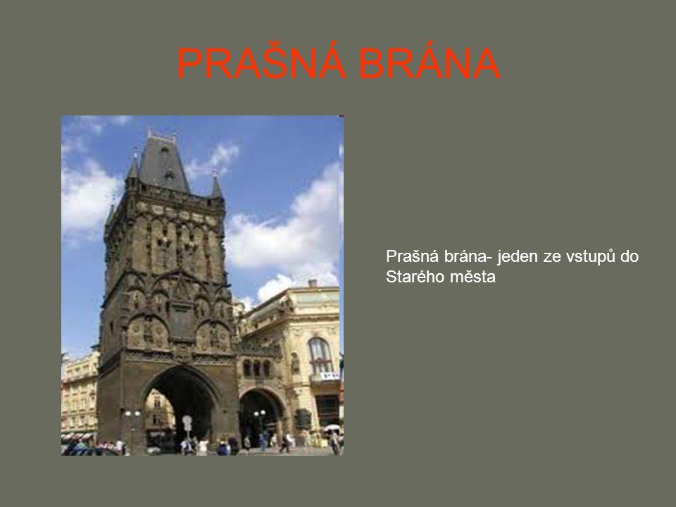 KARLŮV MOST Roku 1357 ho dal vybudovat Karel IV.Hlavním stavitelem byl Petr Parléř V 17.