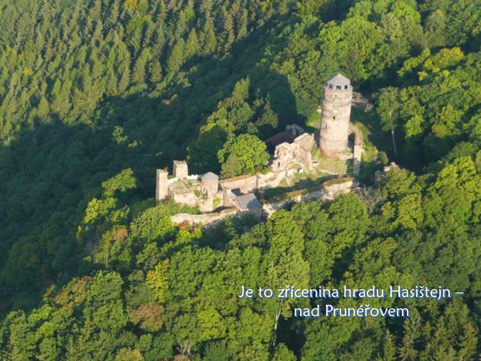 …a tady je hrad…