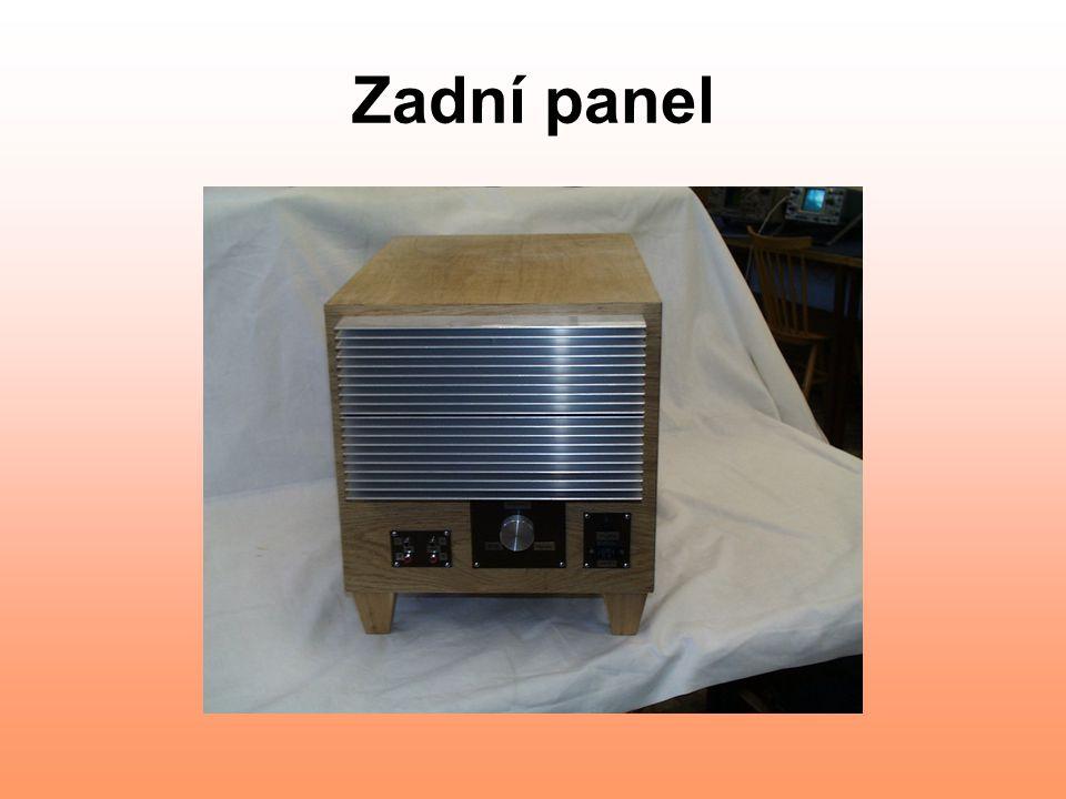 Zadní panel