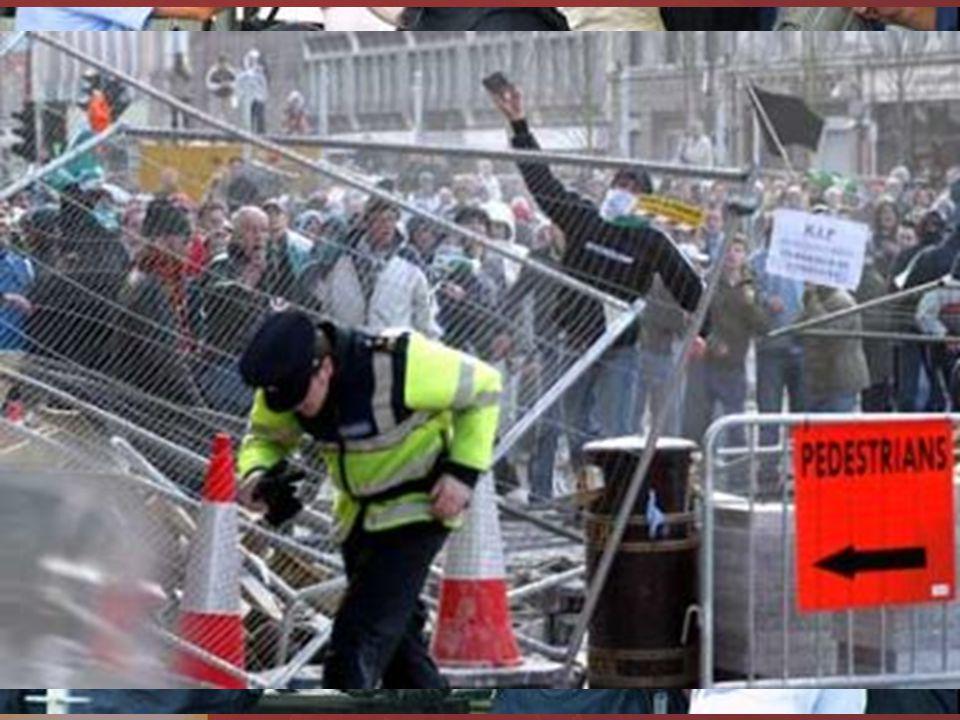 Zásahy policie prakticky jen přihlíží a zasahuje až při vážnějších zraněních nebo větších výtržnostech tuhá represe ze strany státu 9. 6. 2006 byla po