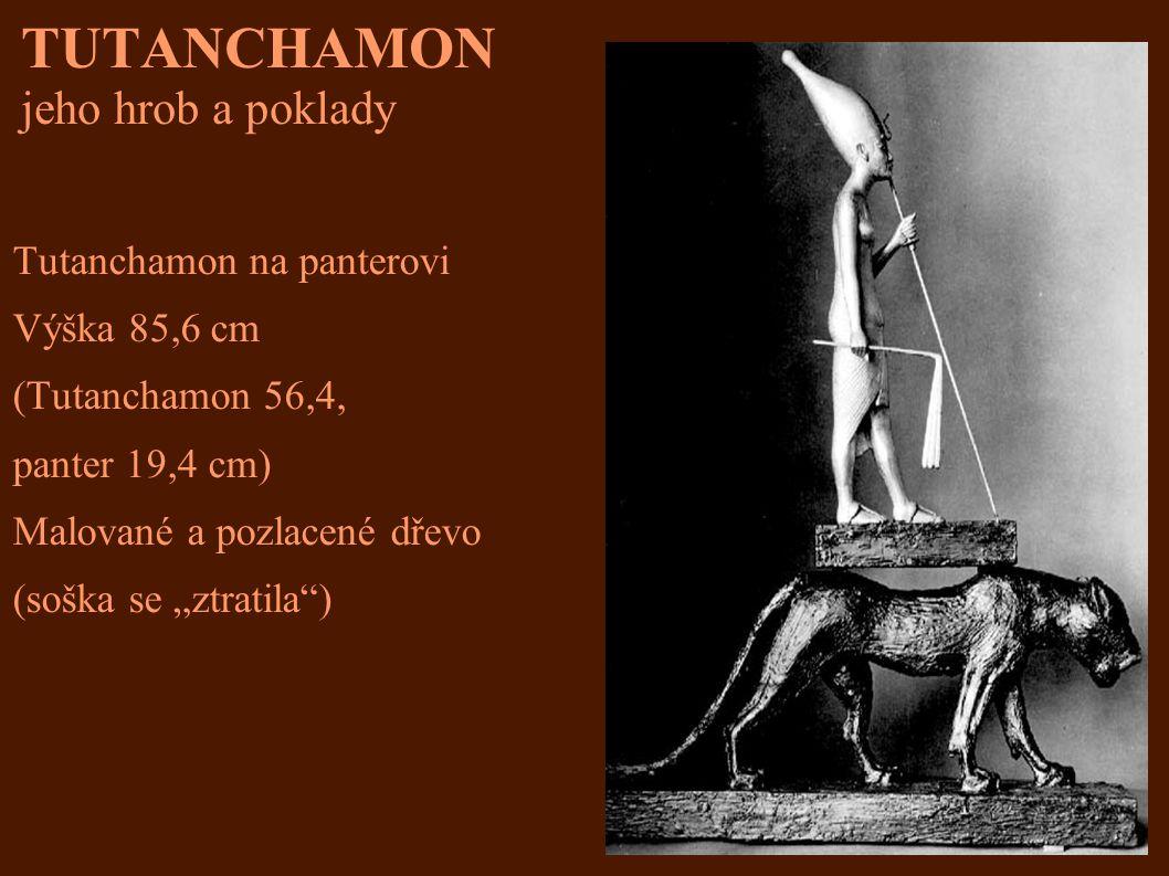 """TUTANCHAMON jeho hrob a poklady Tutanchamon na panterovi Výška 85,6 cm (Tutanchamon 56,4, panter 19,4 cm) Malované a pozlacené dřevo (soška se """"ztrati"""