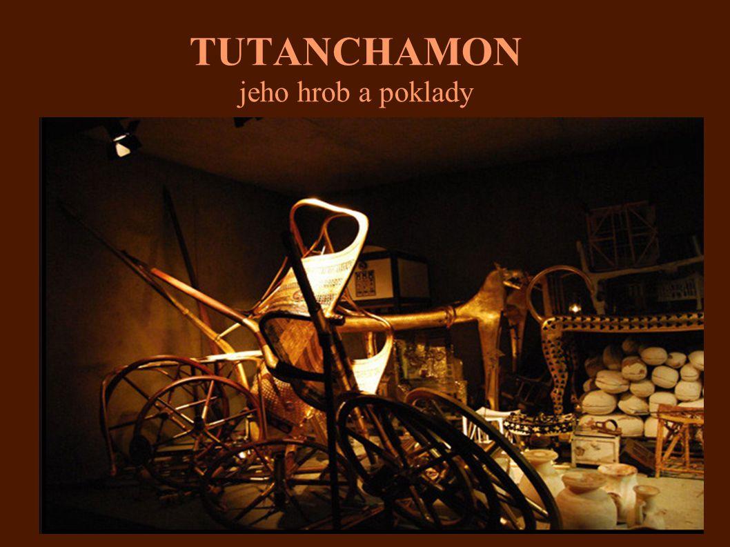 TUTANCHAMON jeho hrob a poklady-pohled zblízka Supice: Výška 6,5 cm, šířka 11 cm, zlato, lazurit, karneol, onyx, živec a sklo.