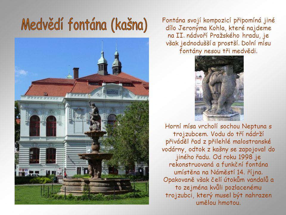 Kholova Medvědí fontána na unikátní fotografii, kde jí vidíme na původním místě před Slavatovským letohrádkem. Dílo patří mezi velmi cenné barokní pam