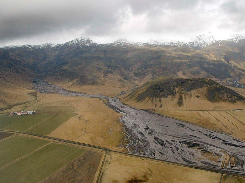 V oda zaplavila ledovcové údolí …