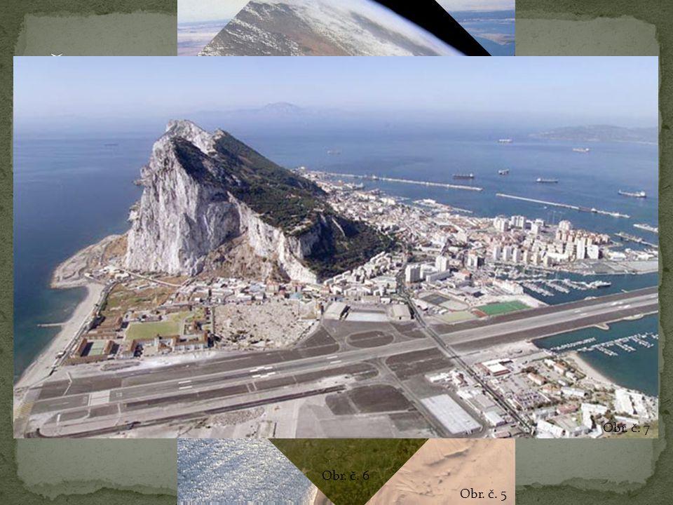 Velmi málo členitý světadíl Od Evropy oddělena Středozemním mořem a Gibraltarským průlivem Od Asie Suezským průplavem Na V světadílu omývána Indickým