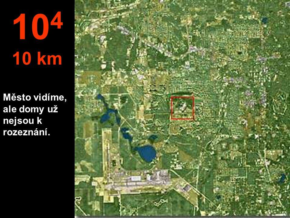 Teď zaměníme metry za kilometry. Z této výšky je už možné skočit padákem. 10 3 to je 1 km