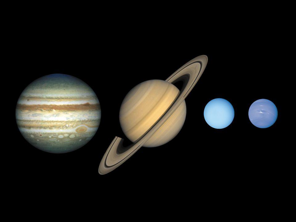 Jupiter, Saturn, Uran a Neptun tvoří 99% hmotnosti všech těles obíhajících kolem Slunce vznikli v období 10 6 až 10 7 roků zrod ve vnějších částech Sluneční soustavy, zde hojnost vodíku, helia a jednoduchých sloučenin s nízkou teplotou tání zárodky planet od jednotek do desítek M Z, zbytek hmotnosti gravitací zachycený plyn všechny planety vznikli poblíž hranice ledu, poté migrovali Uran a Neptun se pravděpodobně prohodili Plynní obři Vznik
