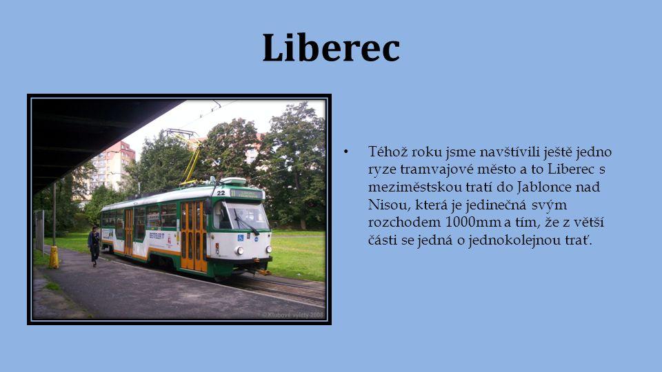 Olomouc Po dvou letech jsme se vypravili také do Olomouce, kde jsme se svezli po právě zrekonstruované ulici Denisove a měli jsme jednu z posledních možností se svézt tehdy ještě rozsáhlým typem vozů T3 v klasickém provedení.