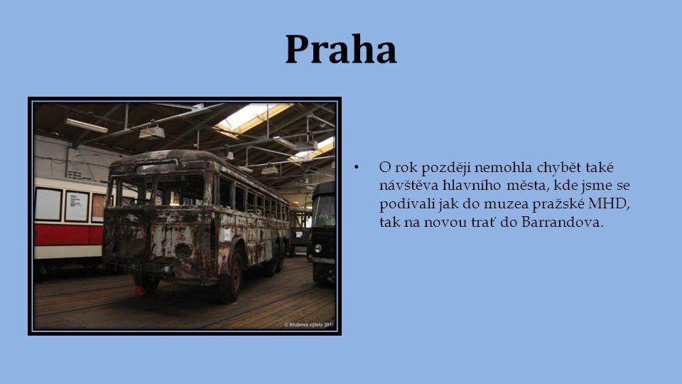 Liberec Téhož roku jsme navštívili ještě jedno ryze tramvajové město a to Liberec s meziměstskou tratí do Jablonce nad Nisou, která je jedinečná svým rozchodem 1000mm a tím, že z větší části se jedná o jednokolejnou trať.