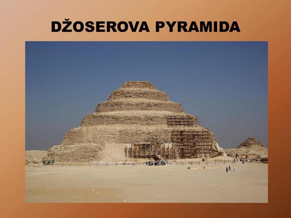 DŽOSEROVA PYRAMIDA