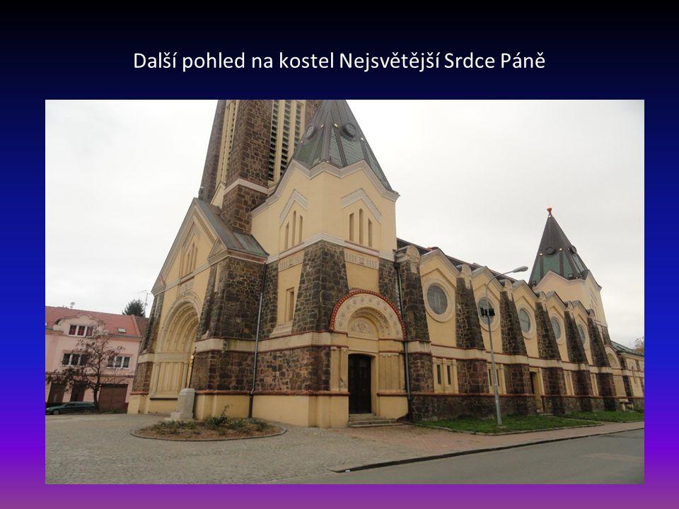 Kostel Nejsvětější Srdce Páně v Husovicích nachází se na Náměstí Republiky
