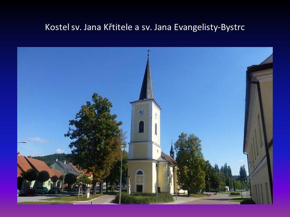 Vstup do kostela Zvěstování sv. Panny Marie v Brně Tuřanech