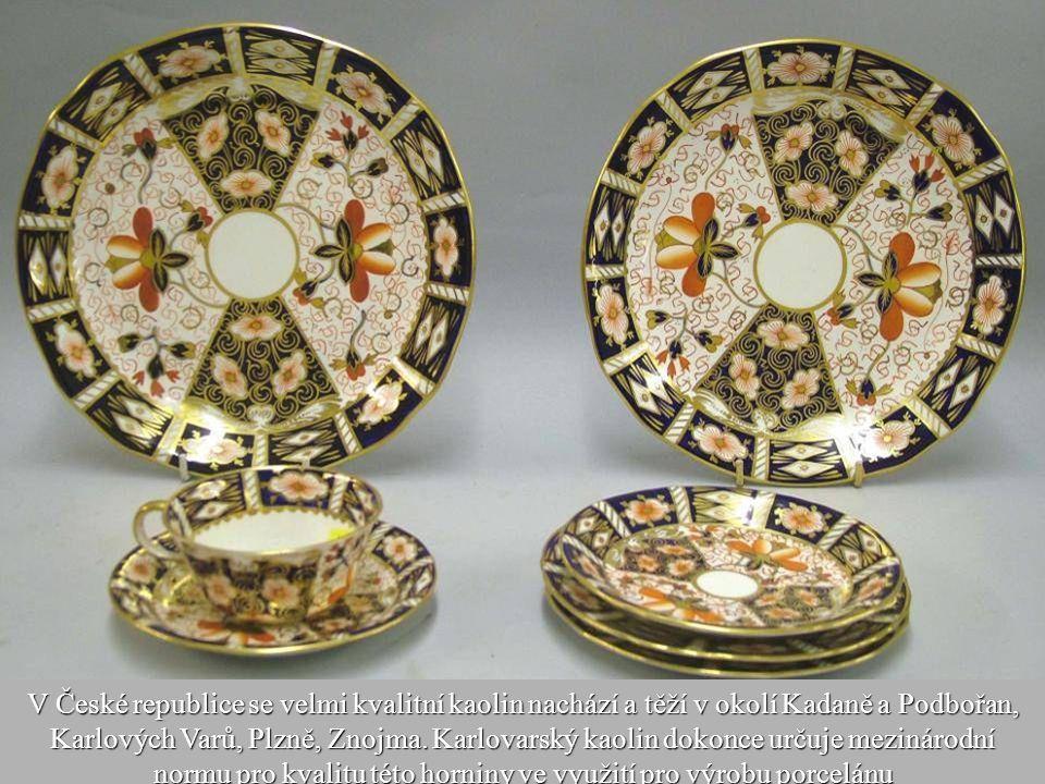 22 První česká porcelánka byla založena roku 1792 ve Slavkově. Do roku 1815 vzniklo v českých zemích továren osm - Klášterec, Stružná, Dalovice, Chodo
