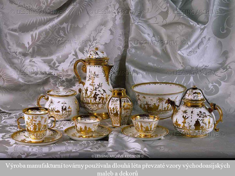 48 Výroba manufakturní továrny používala dlouhá léta převzaté vzory východoasijských maleb a dekorů