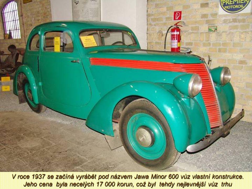 V polovině roku 1933 kupuje od firmy DKW kompletní licenci na automobil, který v Jawě označili Jawa 700. Šlo o typ DKW Meisterklasse. Už koncem roku s