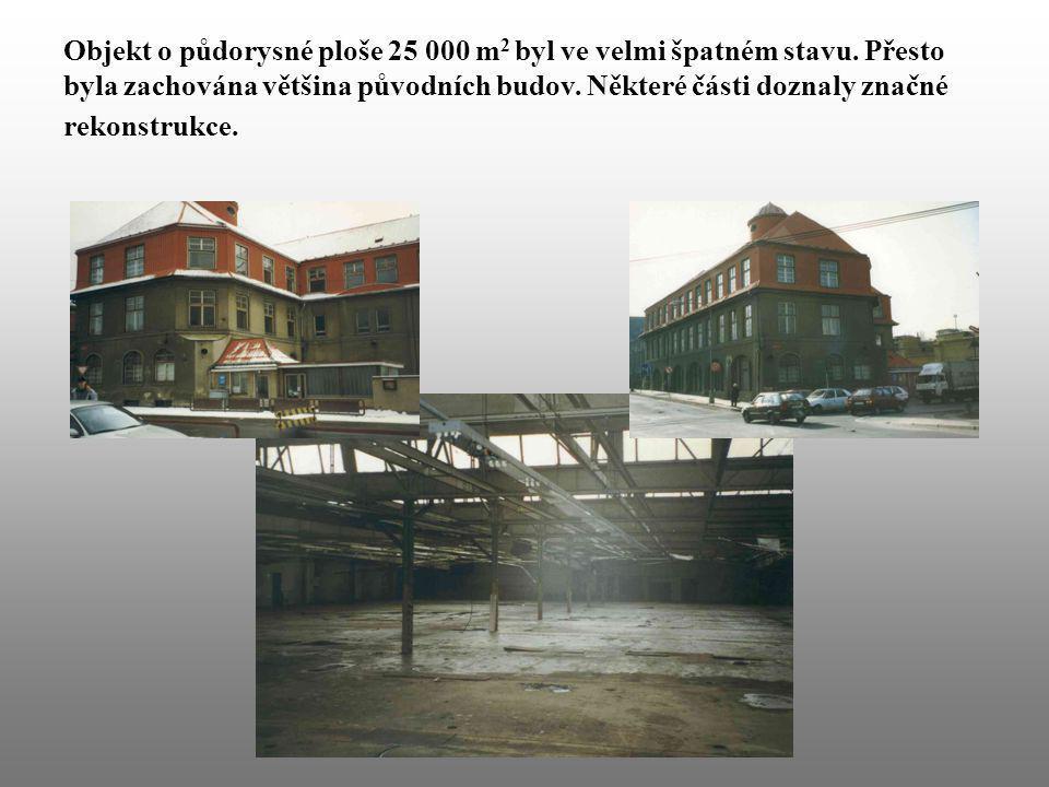 Objekt o půdorysné ploše 25 000 m 2 byl ve velmi špatném stavu. Přesto byla zachována většina původních budov. Některé části doznaly značné rekonstruk