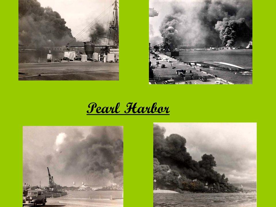 Ofenziva Japonska po amerických ztrátách v Pearl Harbor získalo Japonsko převahu na moři i ve vzduchu do jara 1942 Japonsko dobylo západní Tichomoří,Indonésii,Francouzskou Indočínu,Filipíny,Malajsko,Singapur,Barmu a část Nové Guineje květen 1942 první Japonský neúspěch v letecké a námořní bitvě v Korálovém moři klíčová byla porážka japonské flotily Američany u souostroví Midway