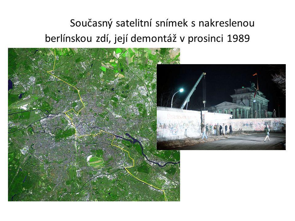 Současný satelitní snímek s nakreslenou berlínskou zdí, její demontáž v prosinci 1989