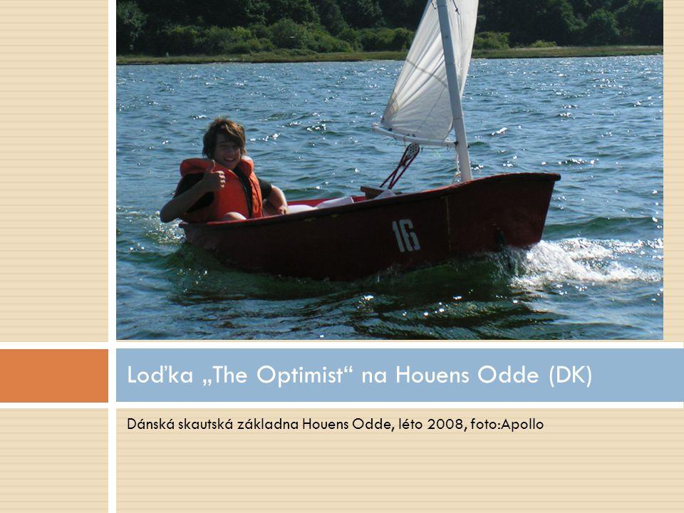 """Dánská skautská základna Houens Odde, léto 2008, foto:Apollo Loďka """"The Optimist"""" na Houens Odde (DK)"""