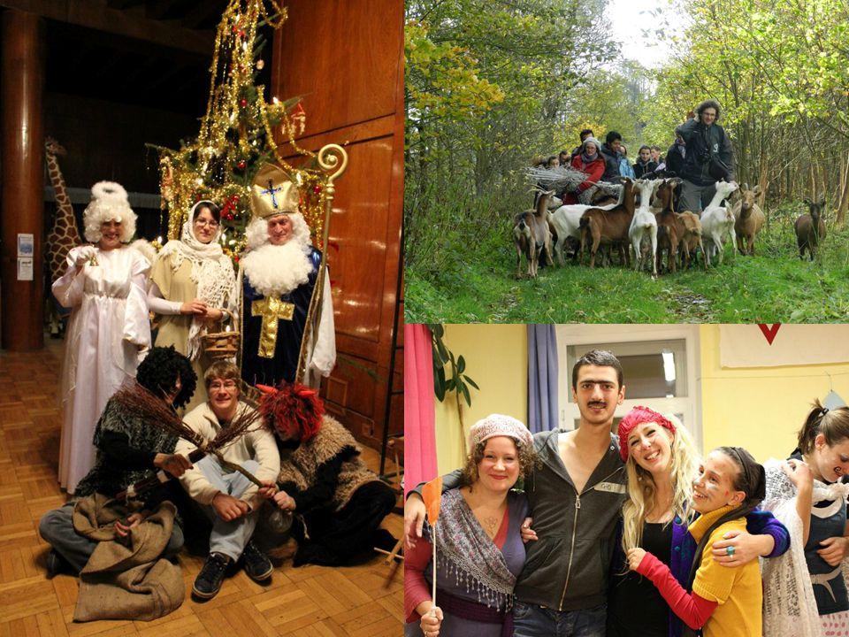 ESVP – Evropský skautský dobrovolný program  European Scout Voluntary Programme  Člen týmu dobrovolníků na skautské základně po Evropě  Minimálně 4 týdny mezi 1.červnem and 30.