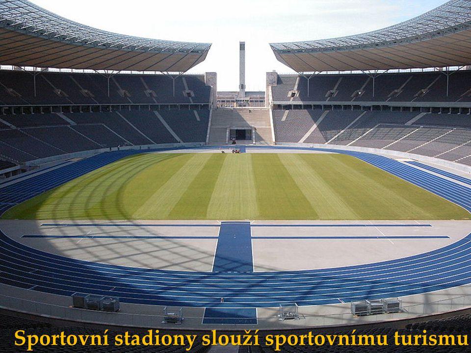 Sportovní stadiony slouží sportovnímu turismu