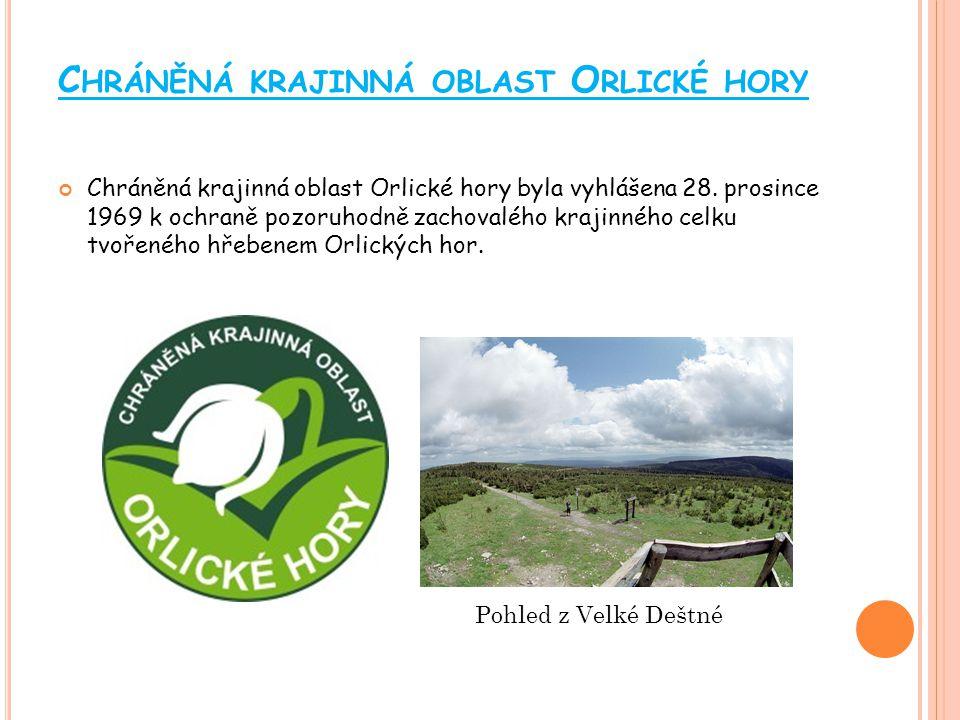C HRÁNĚNÁ KRAJINNÁ OBLAST K ŘIVOKLÁTSKO Chráněná krajinná oblast Křivoklátsko byla vyhlášena v roce 1978 na rozloze 628 km² k ochraně jedinečných společenstev vytvořených ve velmi členitém terénu podél řečiště Berounky a jejích přítoků.