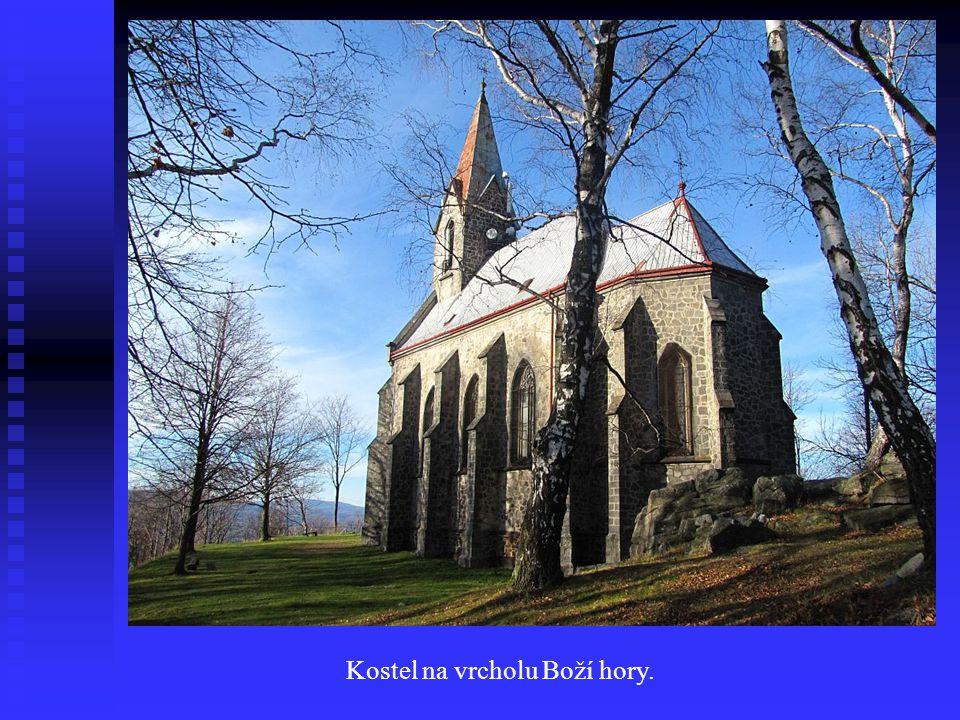 Kostel na vrcholu Boží hory.