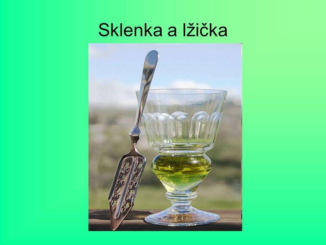 Sklenka a lžička Účinky absintu