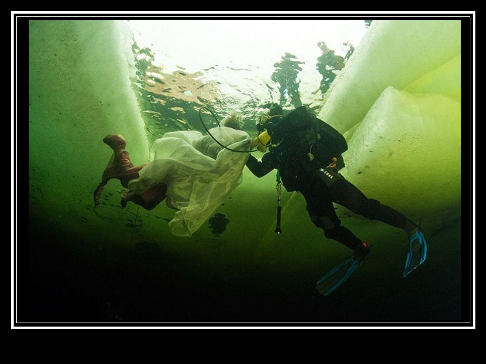 Kvalifikovaná ruská potápěčka Natalia Avseenko (v době pokusu r. 2011 jí bylo 36 let) se sice většinou potápí v neoprenu, ale pro tentokrát se rozhodl